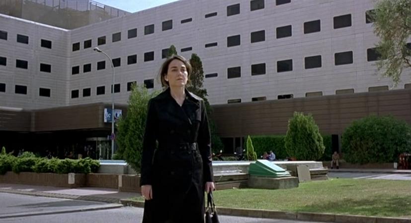 Eloïse pel.lícula, Jesus Garay (2009). Escena de la mare d'Àsia sortint del hospital.